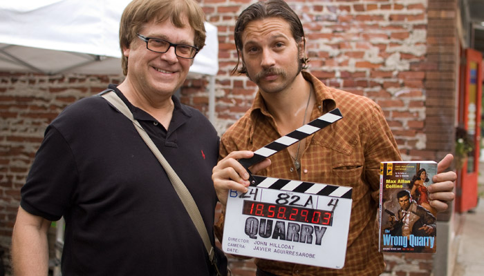 Max Allan Collins e Logan Marshall-Green sul set di Quarry
